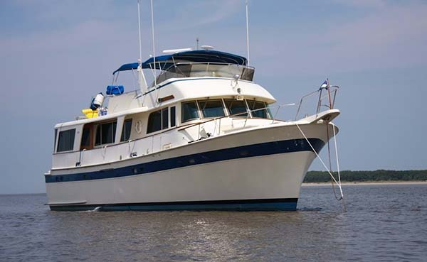 Quality yachts for sale 65 hatteras motor yacht for sale for Hatteras motor yacht for sale